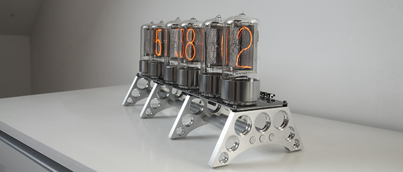 "nixie clock with 2,1"" digit height (RZ568M)"